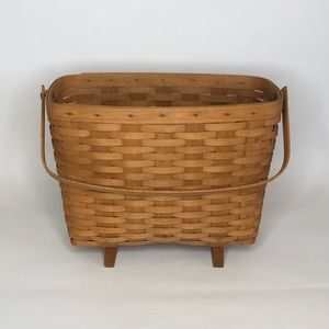 Longaberger 1990 Footed Magazine Basket W/ Handle